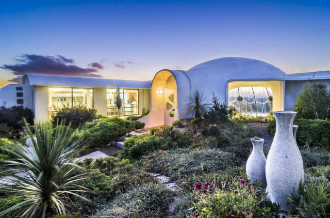 Radical Kapiti Coast Beach House Has Sci Fi Vibe All Things